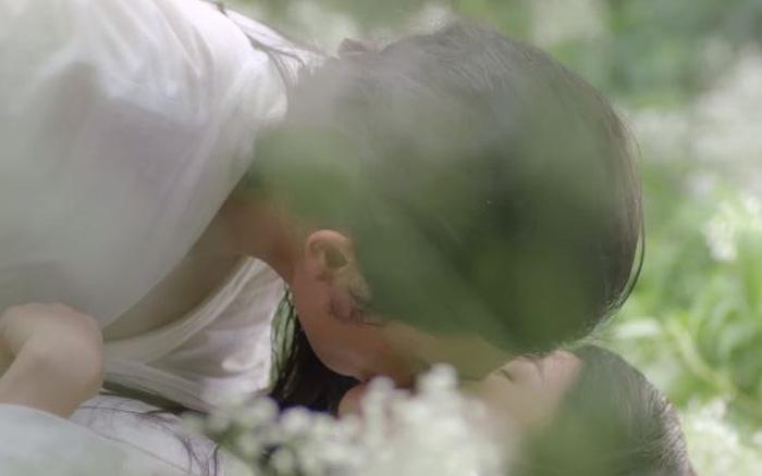 Cảnh nóng của Thúc Sinh và Thúy Kiều như thế nào mà khiến Cao Thái Hà ngất xỉu trên trường quay?