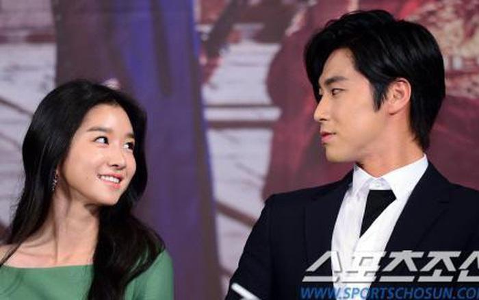 Bắt bài Seo Ye Ji tán tỉnh các tài tử đình đám, hóa ra cả dàn bạn trai đều nghe lời