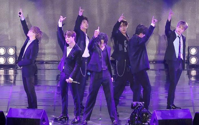 Ca khúc của BTS bị tố đạo nhái, fan không phản biện mà còn thừa nhận giống thật?