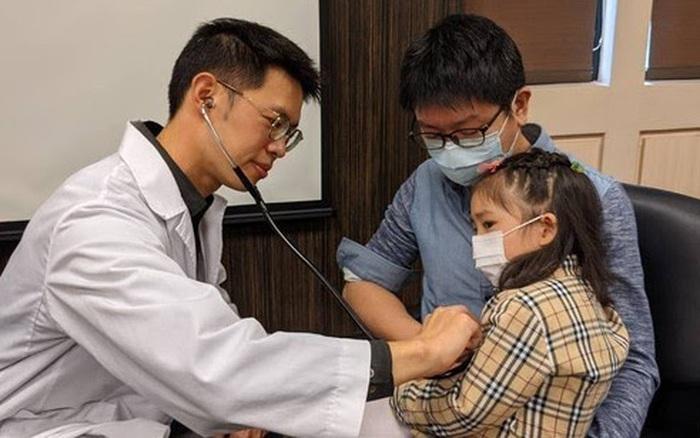 Bé gái 2 tuổi bị nhiễm trùng huyết nặng dẫn đến vỡ ruột, bác sĩ nhắc nhở vai trò của việc rửa tay