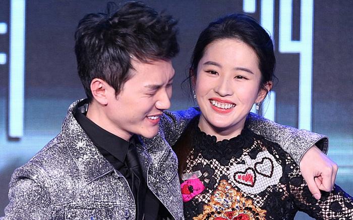 Vừa ly hôn với Triệu Lệ Dĩnh, Phùng Thiệu Phong đã yêu ngay Lưu Diệc Phi, cặp đôi hoá ra