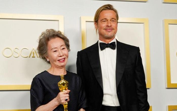 """Nói Brad Pitt keo kiệt, sao Hàn 74 tuổi vừa đạt Oscar bị chỉ trích: """"Đâu ai ép đóng phim rồi bây giờ than?"""""""
