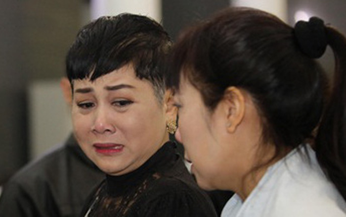 Chồng mất chưa đầy 49 ngày, NSND Minh Hằng phải tiếp tục chịu tang bố, có dòng chia sẻ khiến ai nấy đều quặn lòng