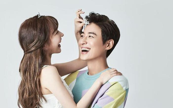Cuối cùng tài tử Lee Ji Hoon đã hé lộ chân dung vợ sắp cưới, Eunjung (T-ara), Ailee và cả dàn sao Hàn rầm rộ chúc mừng