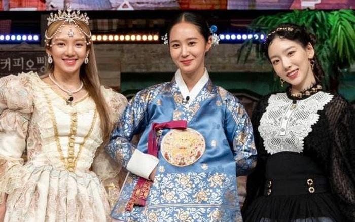 """3 mỹ nhân SNSD """"đánh lẻ"""" trên show, hội chị em ở nhà liền PR nhiệt liệt"""