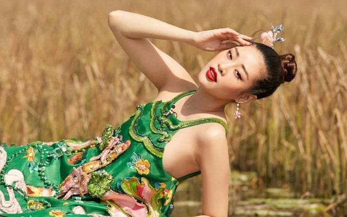 Thời tới cản không kịp, Khánh Vân được ưu ái xuất hiện đến 2 lần trong clip quảng bá của Miss Universe!