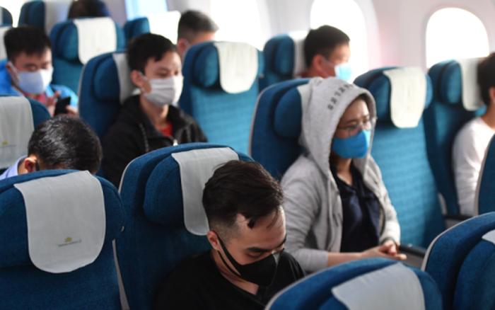 Một hãng bay Việt nhanh trí ứng phó với làn sóng Covid mới: Khách mua vé máy bay được tặng ghế trống bên cạnh để đảm bảo giãn cách