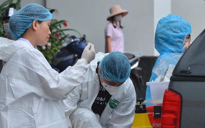 3 thành viên gia đình bác sĩ BV Phổi đi Đà Nẵng, về cùng chuyến bay với vợ chồng Giám đốc Hacinco đều dương tính SARS-CoV-2