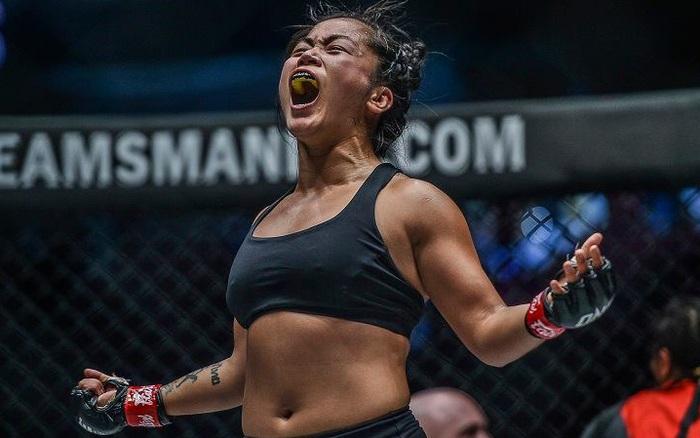 Nữ võ sĩ gốc Việt Bi Nguyễn giành chiến thắng quả cảm trước đối thủ bất bại Ritu Phogat tại giải võ thuật lớn nhất châu Á