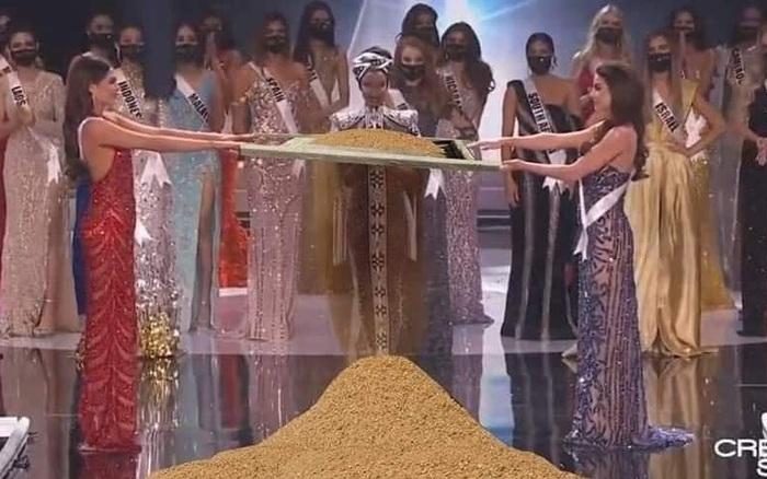 Cười lăn cười bò với loạt ảnh chế về cảnh đăng quang phiên bản giãn cách xã hội của Miss Universe 2020!