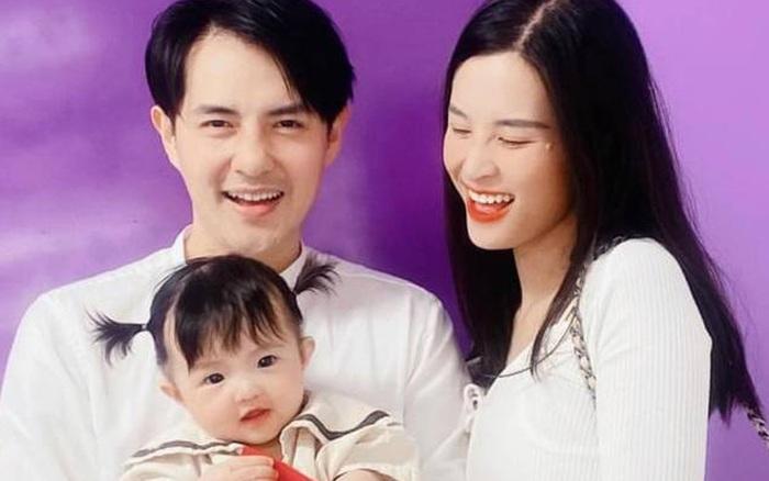 Gia đình Đông Nhi đu trend lan toả năng lượng giống Phan Mạnh Quỳnh, cú