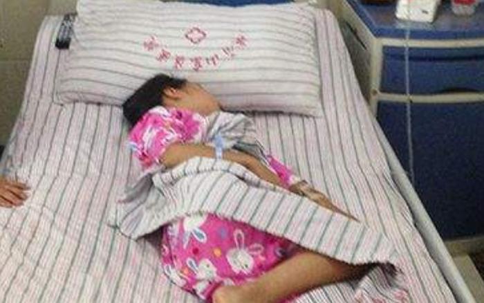 Bé gái 6 tuổi có cục u ở ngực do dậy thì sớm, nguyên nhân xuất phát từ món trứng rất quen thuộc