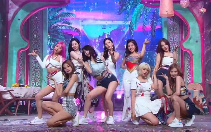 TWICE được đánh giá cao về kỹ năng nhảy nhưng netizen lại mỉa mai: Ca sĩ chứ có phải dancer đâu?