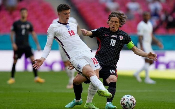 Chứng kiến đội nhà cả trận không có cú đá nào ra hồn, HLV của Croatia phát biểu trong sự ngưỡng mộ: Tuyển Anh quá mạnh