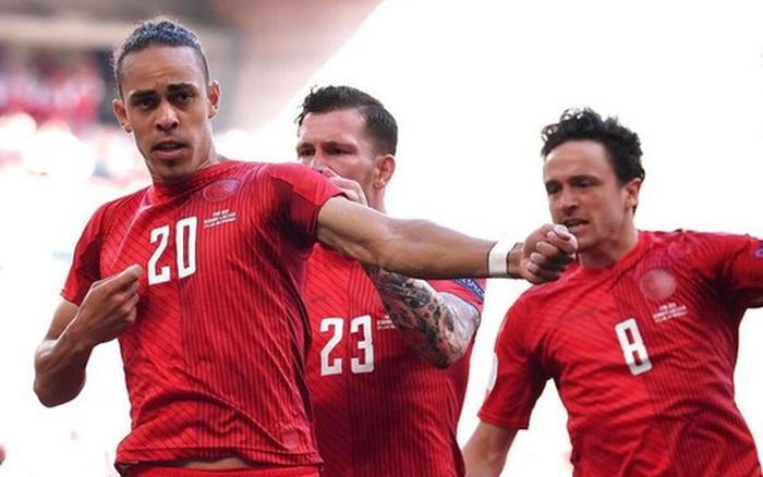 Nguyên nhân cảm động đằng sau màn ăn mừng kỳ lạ của cầu thủ Đan Mạch trong trận gặp Bỉ tại Euro 2020