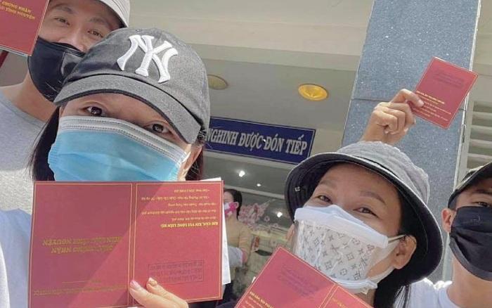 Băng Di và bạn trai cùng bồ cũ Hương Giang xung phong đi hiến máu, hành động đẹp lan toả giữa mùa dịch Covid-19!