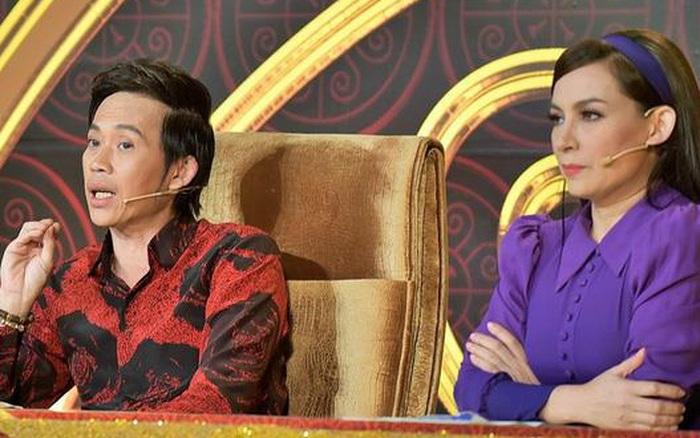 """Phi Nhung từng bị NS Hoài Linh """"sửa lưng"""" đến mức đòi bỏ ghế nóng xuống làm khán giả"""