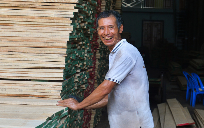 Vụ Hoài Linh bị tố nợ tiền gỗ xây dựng nhà thờ tổ: Người làng nghề mộc Liên Hà lên tiếng, chính quyền xã khẳng định
