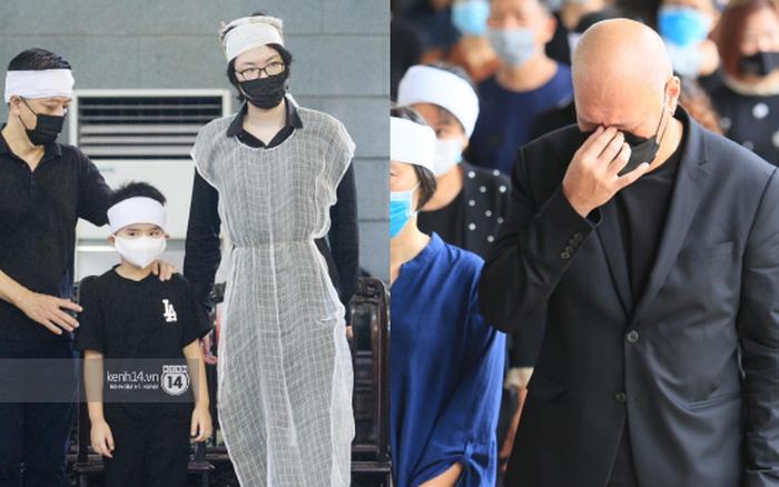 2 người chồng cũ Hoa hậu Thu Thuỷ bật khóc nghẹn ngào, con trai và con gái thất thần trong tang lễ của mẹ