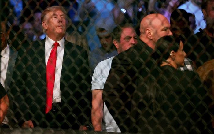 Ông Donald Trump cùng dàn khách mời VIP tới dự khán trong ngày Conor McGregor bị gãy chân kinh hoàng
