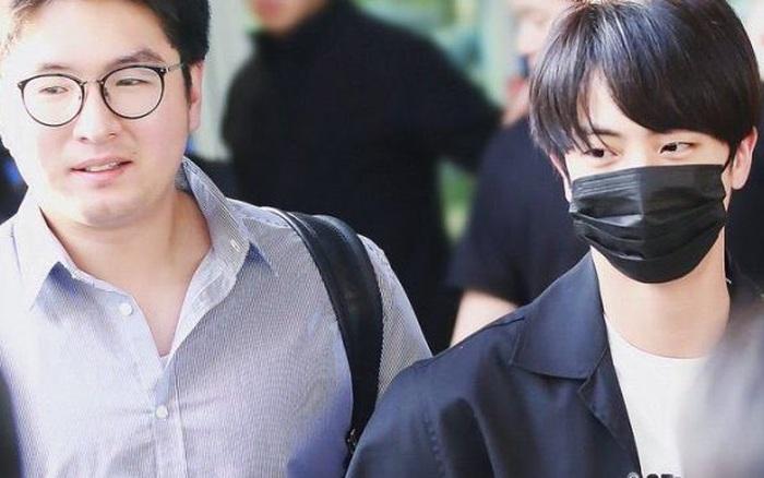 Cựu quản lý idol Kpop tiết lộ lý do ra tay đẩy fan đầy thô lỗ và vì sao thần tượng phải từ chối nhận quà từ fan