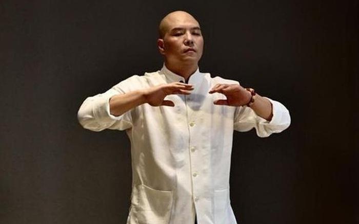"""Vén màn võ công lợi hại của """"đại cao thủ"""" là sư phụ của Jack Ma, một đòn hạ """"gã khổng lồ"""" Nhật Bản"""