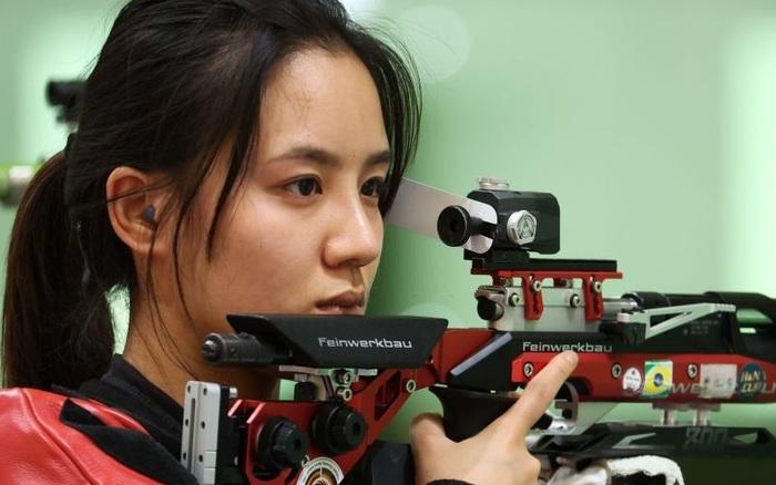Nữ thần bắn súng Trung Quốc hứng chịu cơn thịnh nộ từ NHM quê nhà