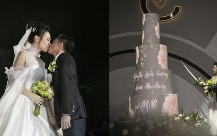 Cường Đô La đăng khoảnh khắc tập cắt bánh nhân kỉ niệm 2 năm ngày cưới, hoá ra từng có ý ăn gian chiều cao theo cách này!