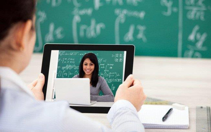 Bạn cần chuẩn bị gì khi gia nhập các lớp học livestream trên mạng?