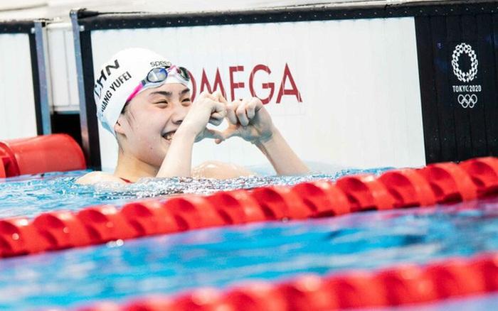 Không chỉ gây thương nhớ bởi vẻ đẹp trong sáng, nữ thần bơi lội Trung Quốc khiến tất cả ngỡ ngàng với 2 tấm HCV Olympic trong 1 tiếng