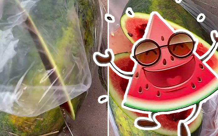Cô gái mua được quả dưa hấu chảy đầy nước bốc mùi, bổ ra thì ngã ngửa với hình ảnh bên trong