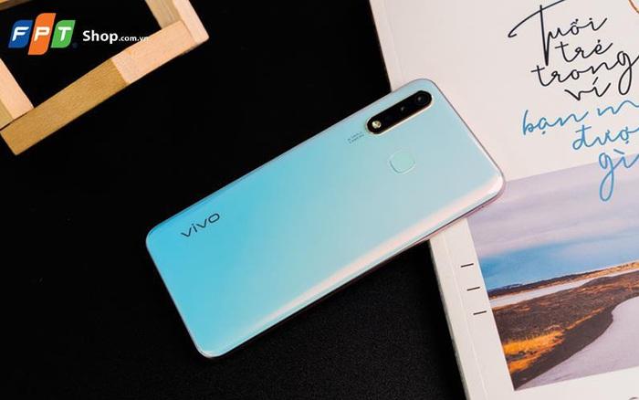 Tặng sạc dự phòng và giảm ngay 200.000 đồng khi mua Vivo Y19 tại FPT Shop