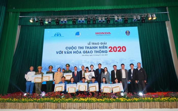 """Sôi nổi Vòng chung kết và Lễ trao giải cuộc thi """"Thanh niên với Văn hóa giao thông"""" năm 2020"""